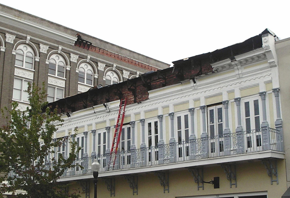 damaged cornice pensicola florida cornice work